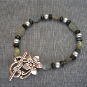 Flower Labradorite Leaves Bracelet Project
