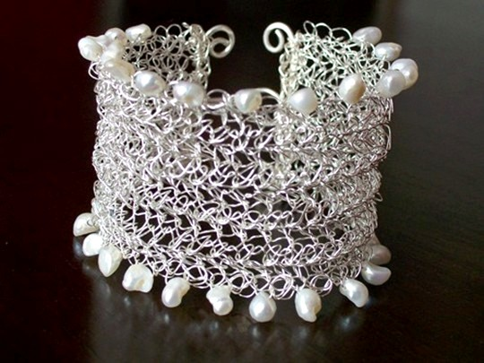 Crocheted Wire and Pearl Bracelet Project
