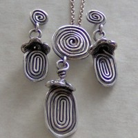 Antiqued Silver Swirl Pendant Project