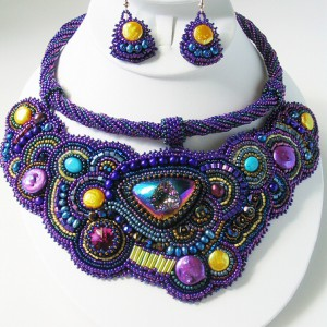 Saby Beaded Embroidery Collar Jewelry Idea