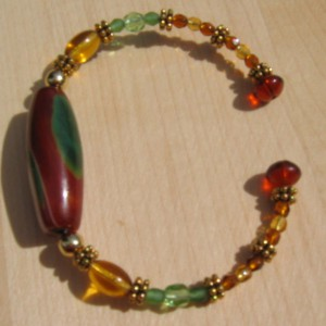 Green Stone Memory Wire Bracelet Project Idea