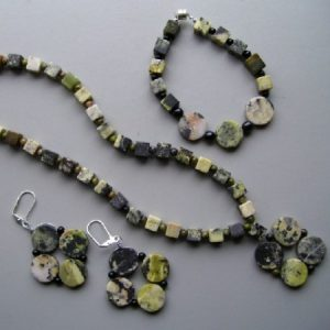 Square Rounds Yellow Turquoise Necklace Set Jewelry Idea