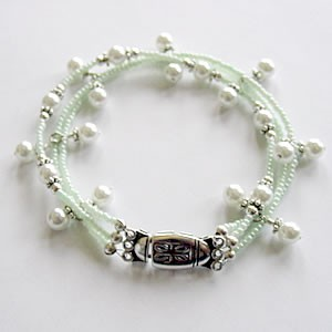 Pearls of the Sea Bracelet Project Idea
