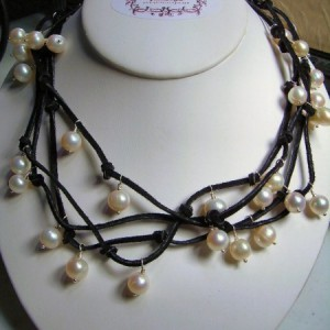 Not Your Mothers Pearl Necklace Jewelry Idea