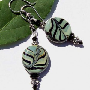 Lampwork Swirl Beaded Earrings Jewelry Idea