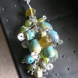Green Cluster Necklace Jewelry Idea