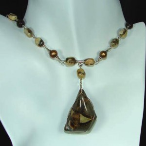 Graphic Feldspar And Smokey Quartz Necklace Project Idea