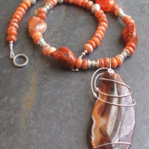 Red Earth Pendant Necklace Project Idea