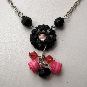 Retro Glamour Necklace Project