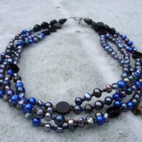 Four Strings Dark Pearl Necklace Project