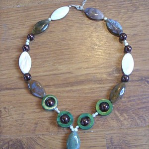 Green Brown Agate And Shell Necklace Jewelry Idea