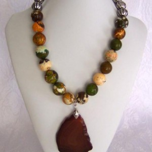 Red Agate Pendant Necklace Project Idea
