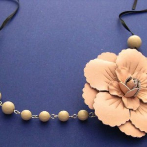 Simone Vintage Pink Leather Rose With Coffee Beads Jewelry Idea