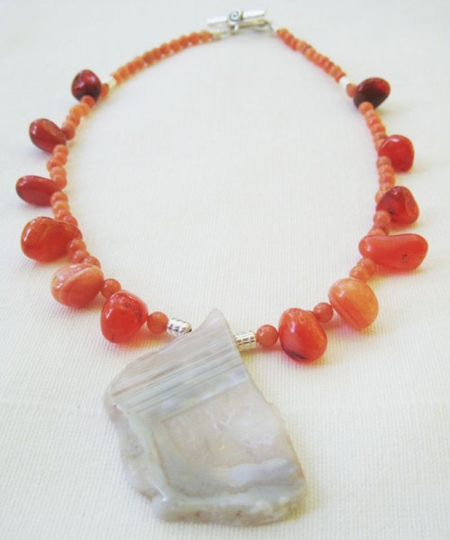 Peach Aventurine Necklace With Agate Slice Pendant Project