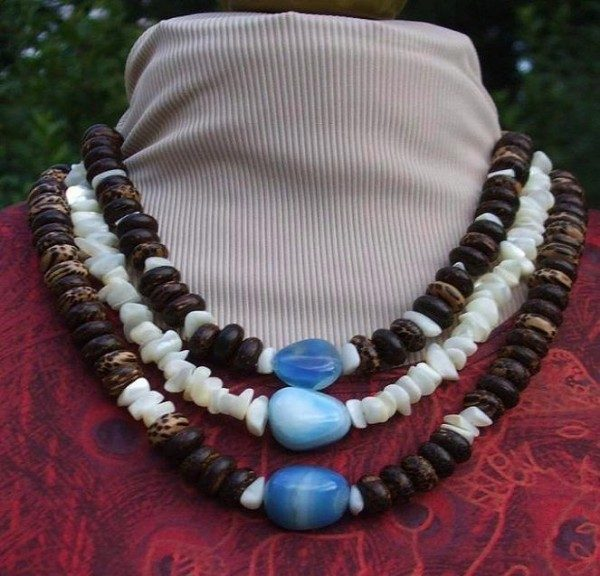 Onyx and Wood Tribute Necklace Project