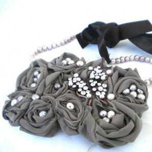 Romantic Dreams From 1940's Silk Bib Necklace Jewelry Idea