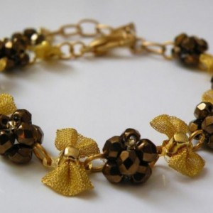 Golden Arielle Bracelet Jewelry Idea
