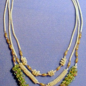 White And Green Coil Beads Necklace Project Idea
