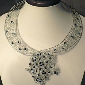 Silver Collar Jewelry Idea