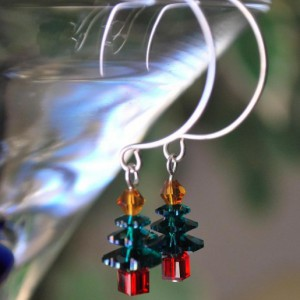 Joyeux Noel Christmas Tree Beaded Earrings Jewelry Idea
